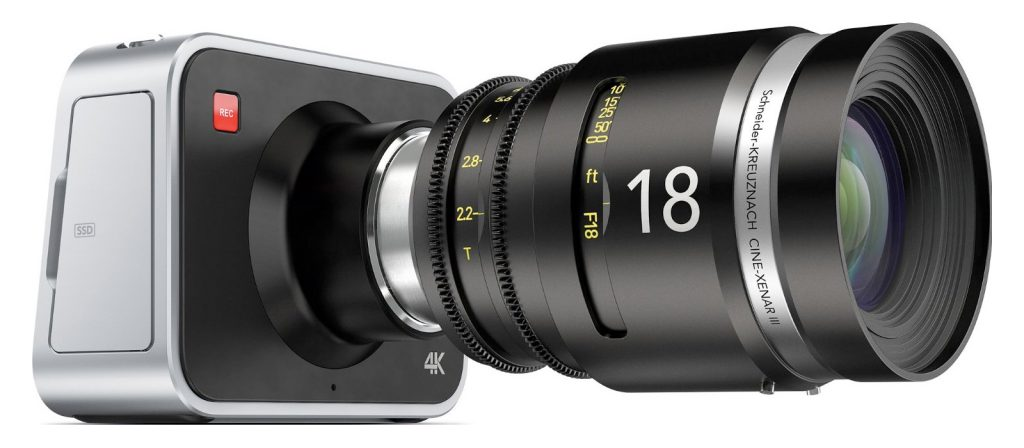 (Blackmagic Camera 4K with EF Mount 1600px)